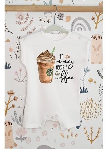 Happy Onesie Co Mommy Needs Coffee Organik Baskılı Kısa Tulum Romper Beyaz